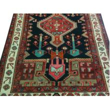 135 x 244 Classic Persian Hamedan Handmade Wool Rug