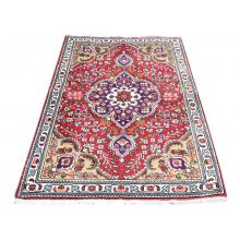 98 X 149 Beautiful Centre Medallion Sheikh safi Design Tabriz Persian Traditional Rug.