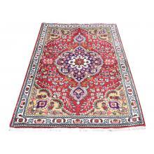 98 X 149 Beautiful Centre Medallion Sheikh safi Design Tabriz Persian Traditional Rug.