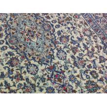 198 x 318 Elegantly Designed Persian Kashan Handmade Rug