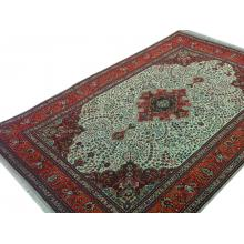 196 x 290 Beautiful Handmade Persian Tabriz Wool Rug.