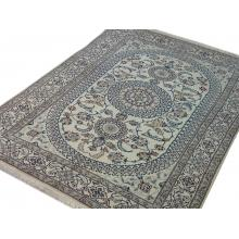 198 x 305 Subtle and Stylish Persian Naein Rug